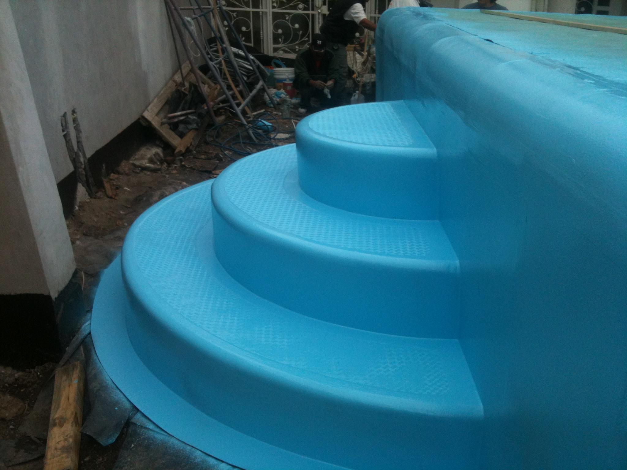 Escaleras romanas assol for Albercas de plastico para ninos